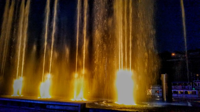 It was impossible to do justice to the fountain that incorporated water, flame, and sound into a very nice production.
